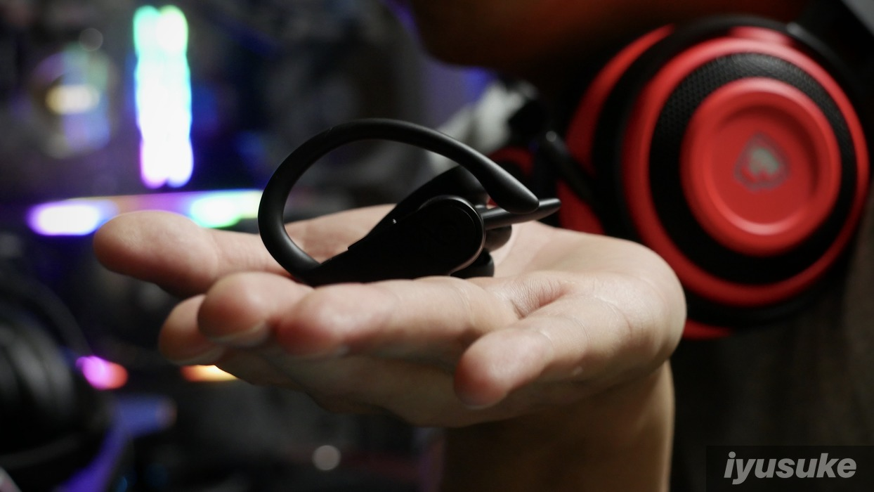 powerbeats proとrazer nari ultimate