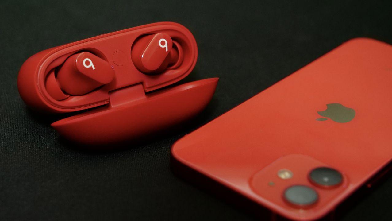 iPhone 12 mini PRODUCT RED Beats Studio Buds レッド